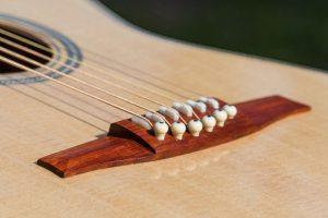 Single string post bridge, Wälivaara 00 acoustic steel string guitar